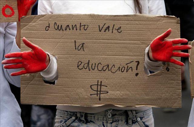 ¿Ampliación de los derechos o  vaciamiento de la función educativa?