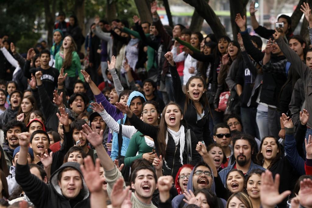 ¡Vamos por un centro democrático, participativo y de lucha!