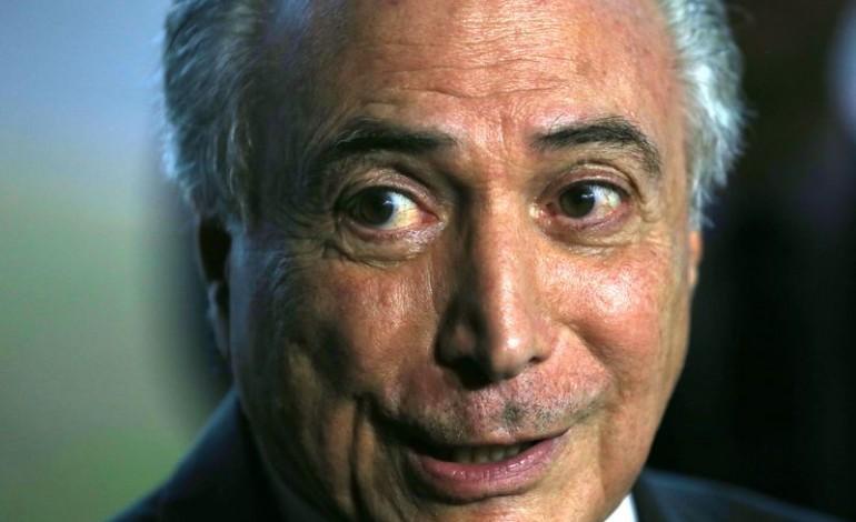 ¡Fuera Temer, Fuera Dilma, Fuera todos ellos!