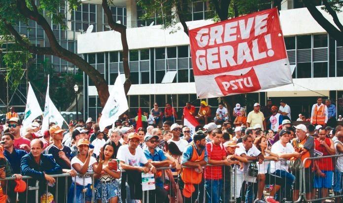 15M: ¡Comenzó la pesadilla de Bolsonaro! ¡Ahora es no salir de las calles y construir la huelga general del 14 de junio!